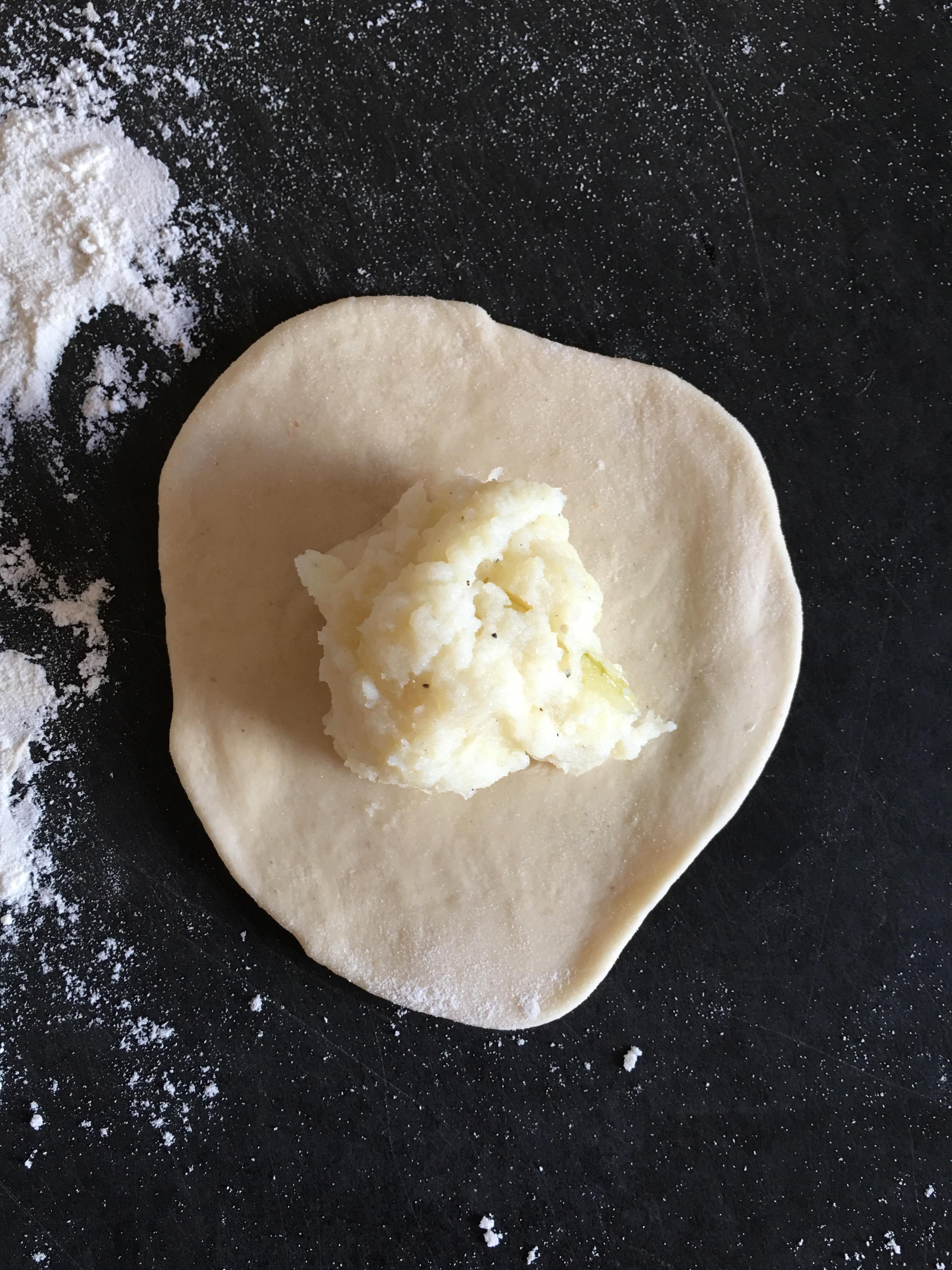 how to make raw potato dough for pierogi
